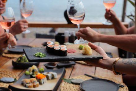 Sushi sushibar sushialanya beachrestaurant rose wine maki rolls sashimi seaview