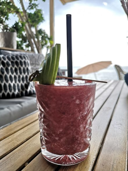 smoothie lounge sofa strawberry beach