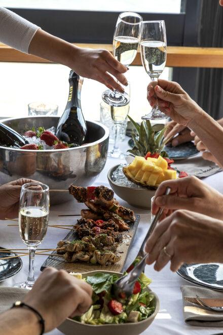 champagne lunch, beach club alanya, beach club, restaurant, seaview, cool restaurant, best restaurant