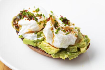 Restaurant alanya, breakfast, kahvalti, Avocado and poached eggs,